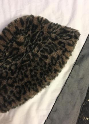 Меховая панама в леопардовый принт