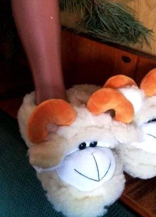 Мягкие мужские тапочки из натуральной овчины. бык. козерог. овен. телец.