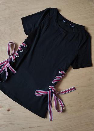 Красивая футболка с шнуровкой  dorothy perkins