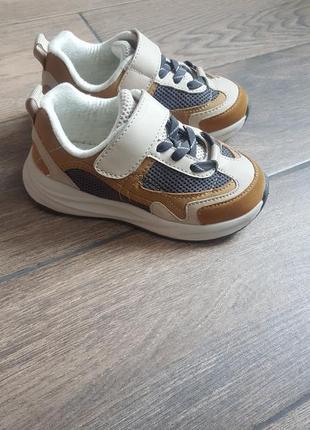 Кросівки zara