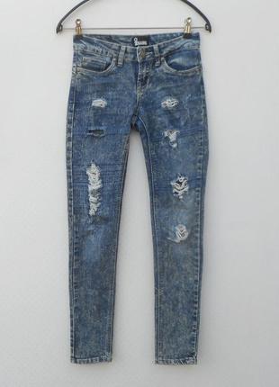 Cтрейчевые рваные джинсы варенки noname