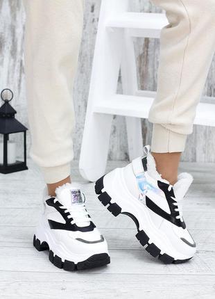 Зимние женские кроссовки из натуральной кожи