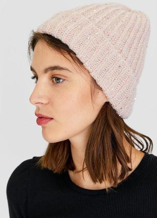 Женская объемная шапка с пайетками