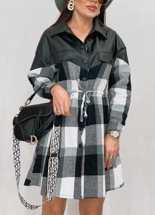 Стильное платье-рубашка из котона комбинированное с эко-кожей