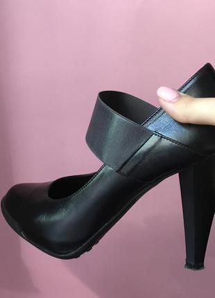 Кожаные туфли. fellini. осень-весна.