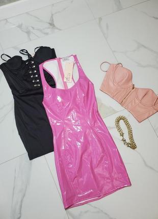 Виниловое мини розовое короткое платье oh polly