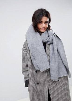 Очень мягкий, тёплый и объёмный шарф
