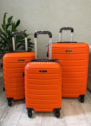 Чемодан,валіза ,польский бренд ,дорожная сумка ,отличное качество !