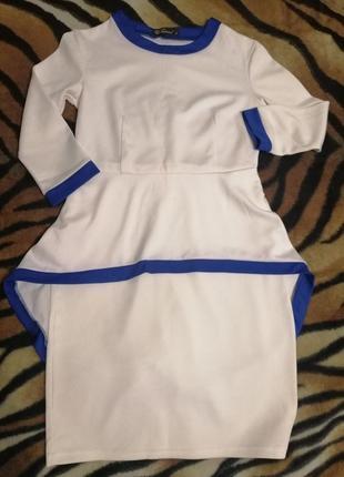Платье с баской и поясом