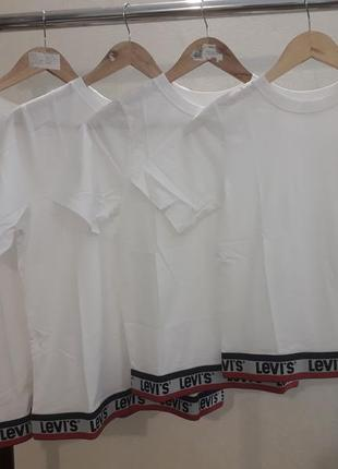 Levis. стильная футболка, оригинал