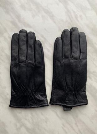 Перчатки. кожа.
