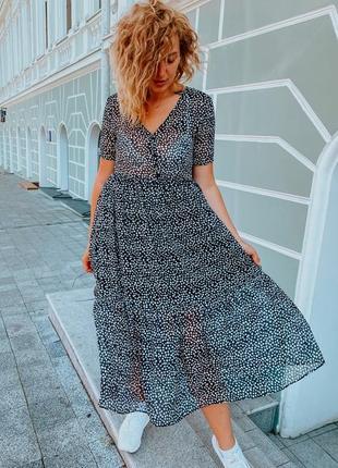 Шифоновое платье на подкдалке миди