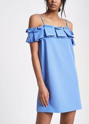 River island платье голубое прямое трапеция с открытыми плечами