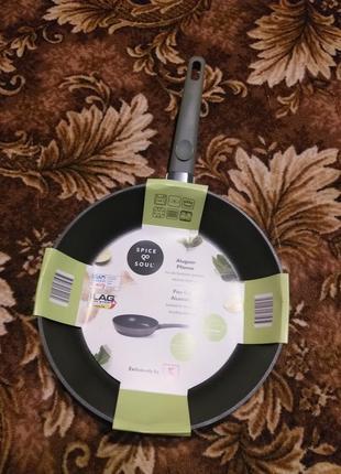 Сковорода d28 з антипригарним покриттям