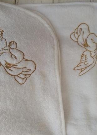 Крыжма махровая белая с вышивкой ангелочков 95 на 95 см