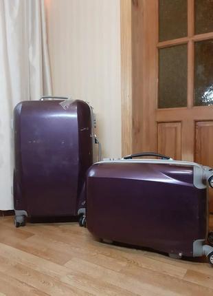Продам новый чемодан на колёсиках