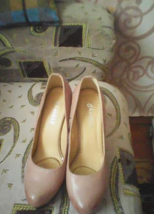 Шикарные кожаные туфли sharman