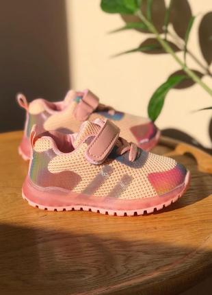 Кросівки для дівчинки♥️