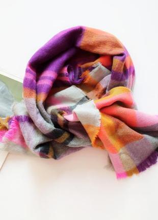 Красивый обьемный шарф в клетку теплый