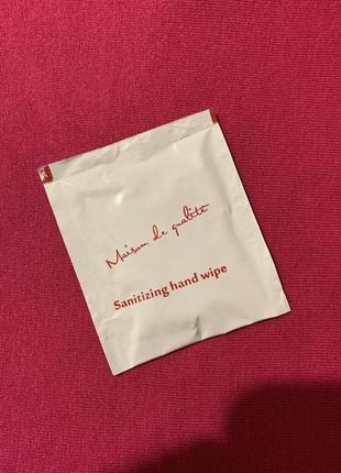 Влажная салфетка в индивидуальной упаковке