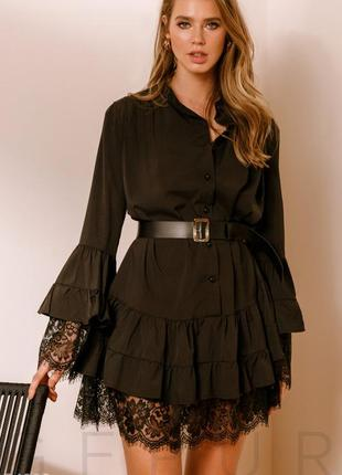 Воздушное чёрное платье с кружевом свободного кроя
