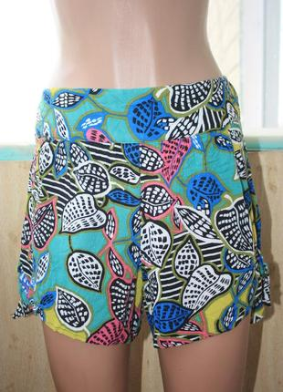 Лёгкие яркие летние шорты