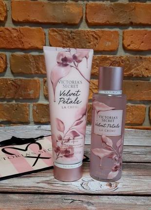 Парфюмированный набор спрей лосьон пакет victoria's secret velvet petals la creme 💓