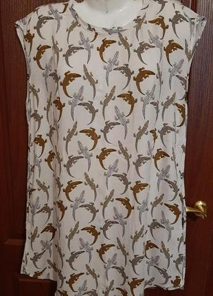 Легкая платьяв принт размера 46-48.