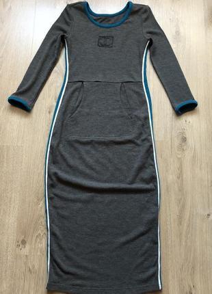 Стильное теплое платье размер s