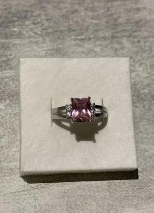 Серебрёное кольцо с большым камнем