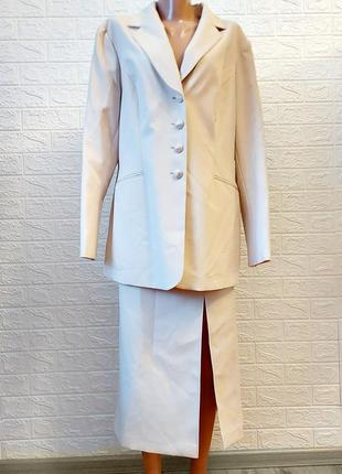 Бежевыый песочный костюм юбка пиджак блуза
