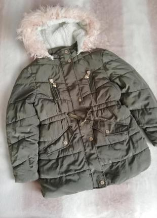 Зимняя куртка цвета хаки для девочки primark 6-7лет