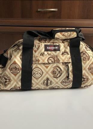 Вместительная сумка eastpak