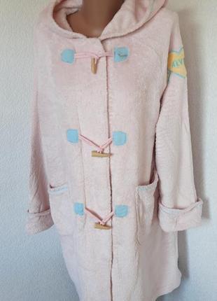 Теплый плюшевый халат нежно розового цвета