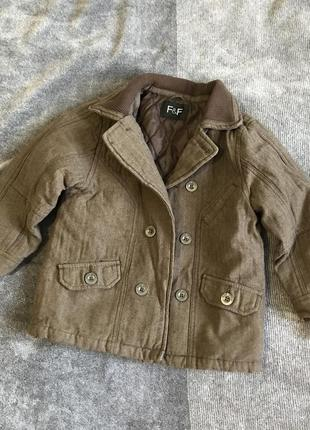 Стильное пальто на мальчика 4-5 лет