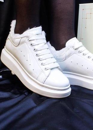 Женские кроссовки, кеды alexander mcqueen белые на меху,кожаные.