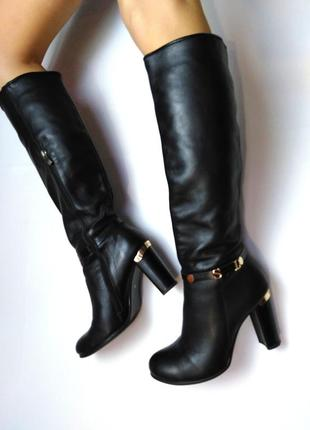 Сапоги кожаные чёрные на каблуке