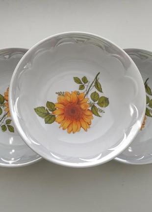 Новые салатницы 3 шт с рисунком и перламутровым ободком диаметр 18 см, фарфор