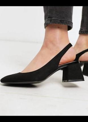 Туфли с открытой пяткой stradivarius.
