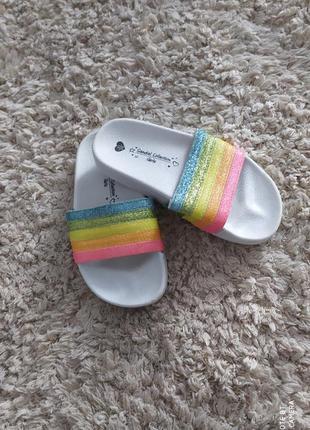 Шльопанці резинове взуття