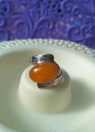 Винтажное серебряное колечко с натуральным янтарем