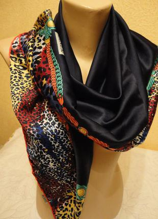Яркий синий  платок  с леопардовой окантовкой (ручная работа)