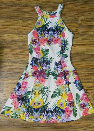 Платье на девочку 152р