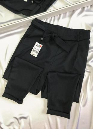 Новые брюки с пояском jennyfer размер м