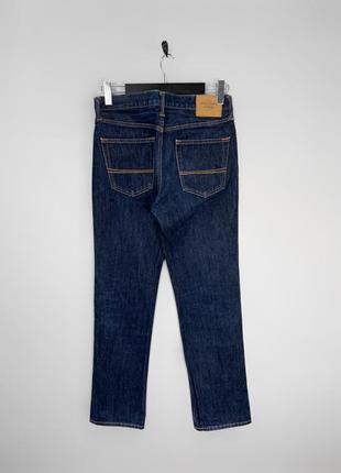 Abercrombie&fitch джинси з приктичного щільного деніму, в темно-синьому базовому кольорі.