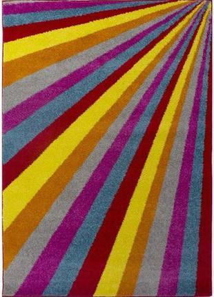 Барвистий сучасний килим