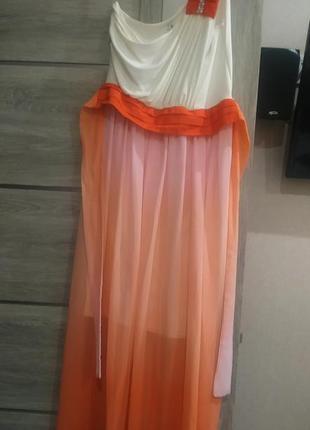 Платье свободное для пращдников