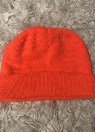 Неоновая шапка