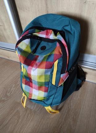 Яркий спортивный туристический рюкзак с дождевиком.35 л. германия
