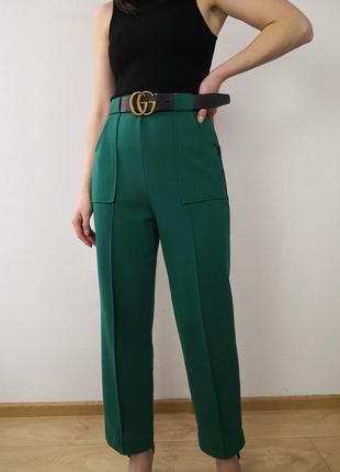 Стильные брюки со стрелками высокая посадка